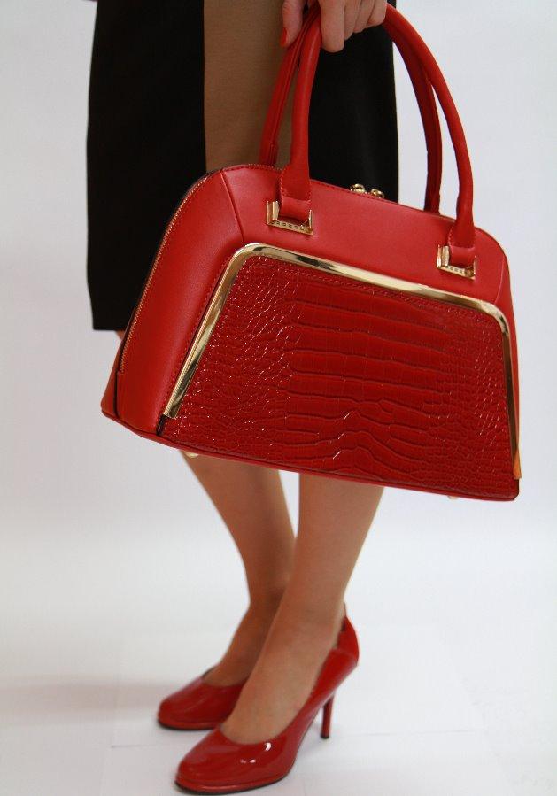 d1f2d53ad6 ... červená Ďalší obrázok produktu Elegantná kabelka do ruky